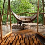 Žena si splnila sen z detstva. Na Bali stavia nádherné domy z bambusu
