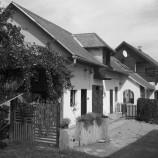 Slovenskí architekti premenili starú hospodársku budovu na vysnívaný rodinný dom