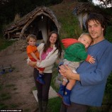 Muž postavil pre svoju rodinu dom snov za necelých 3000 libier