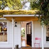 4 členná rodina našla šťastie v prírode a v malom víkendovom domčeku