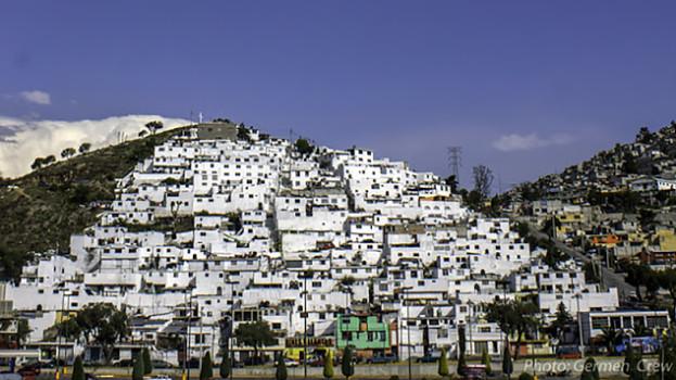 Mexická vláda nechala miestnu mládež pomaľovať týchto 209 domov. Toto je výsledok!