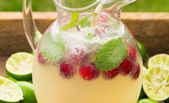 Perlivá limetkovo-medová limonáda
