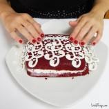 Ako ozdobiť koláč alebo tortu pomocou záclony?