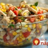 Zabudnite na ťažké šaláty s majonézou a tatárskou: Vyskúšajte neskutočne dobrý šalátik s medovo-horčicovou zálievkou!