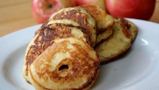 Voňavé lievance z jablkového cesta