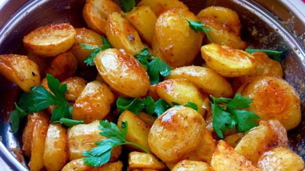 Pečené zemiaky s omáčkou na francúzsky spôsob