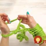 Video: Pletený šál hotový za 30 minút. Bez ihlíc!