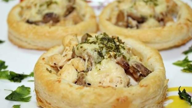 Fotopostup: Slané koláčiky s mäsovo-hubovou náplňou