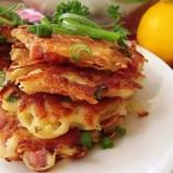 Zemiakové placky so syrom, šunkou a bylinkami