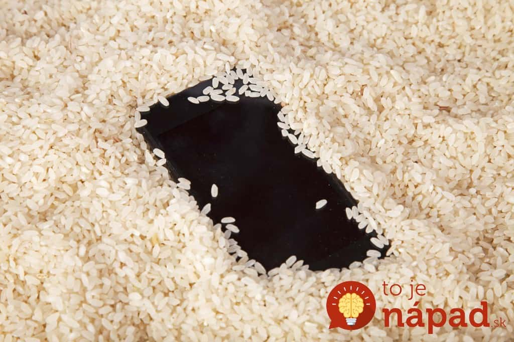 03-uses-for-rice-wet-electronics