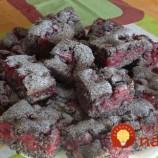 Hrnčekový makovo-čerešňový koláčik