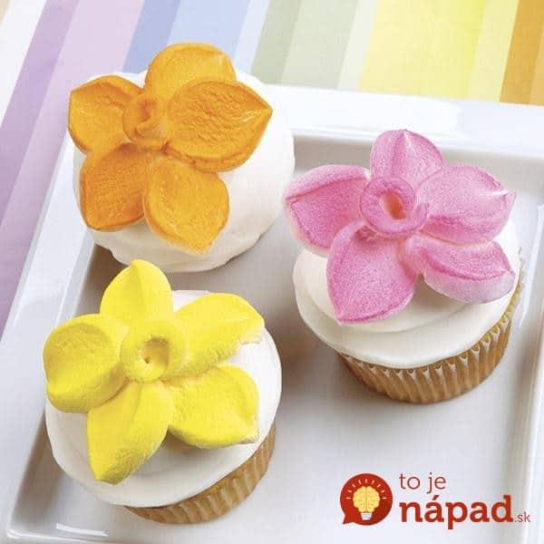 marshmallow-petal-topped-cupcakes-1-large