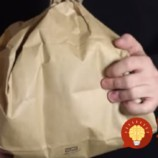 Geniálny trik s papierovou taškou. TAKTO jednoducho vám pomôže odplašiť osy!