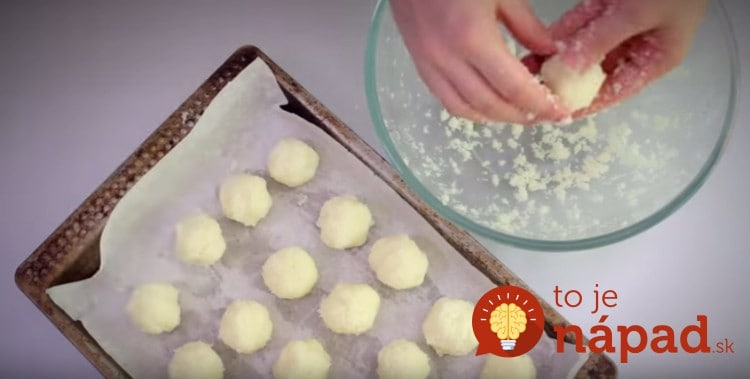 Shaping-Coconut-Macaroons