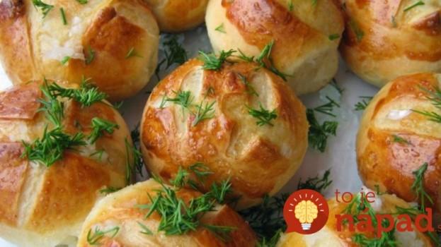 Hotové skôr, ako by ste stihli zabehnúť do pekárne: Cesnakové žemle do pol hodiny na vašom stole!