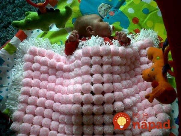 diy-fluffy-pom-pom-blanket8