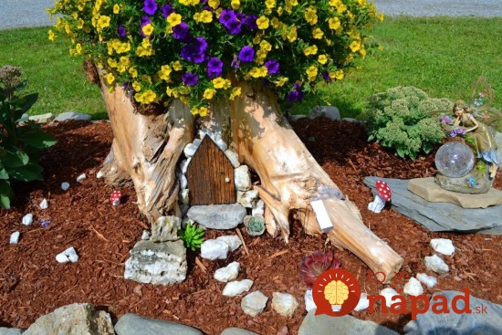 Tree-Stump-Planter--550x367