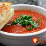 Lieči zápaly: Vynikajúca paradajková polievka s tajnou prísadou