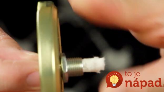 Táto žena vám ukáže, ako vyrobiť kúzelnú olejovú lampu z obyčajného pohára na zaváranie!