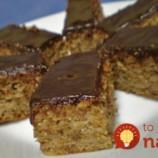 Bleskový dezert bez váhy a odmerky: Krupicový jablčník s orechmi a čokoládou!
