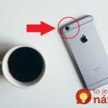 Máte na svojom telefóne túto dierku? Ide o funkciu, o ktorej mnohí nevedia a nechtiac ju môžu poškodiť