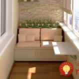 31 nápadov, ako vyťažiť z malého balkóna v bytovke maximum: Premeňte ho na najkrajšie miesto v byte!