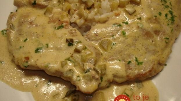 Obed ako lusk za 20 minút: Kuracie kúsky v jemnej horčicovo-smotanovej omáčke!