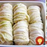 Vymeňte klasickú kapustu za čínsku a pripravte tie najjemnešie plnené holúbky v rúre!
