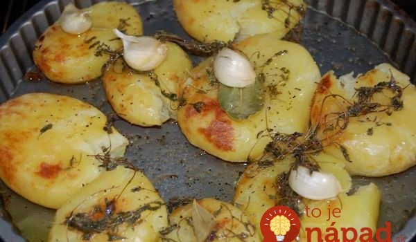 Nové zemiaky s cesnakom a kvapkou octu podľa Jamieho Olivera: Lepšiu prílohu ste dávno nejedli!