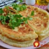 Neskutočne dobré kefírové placky s cesnakom a syrom: Táto pochúťka prekoná aj langoše!