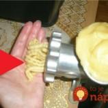 Úplne obyčajné cesto stačí vložiť do mlynčeku na mäso: Tento nápad budú obdivovať všetci vaši hostia!