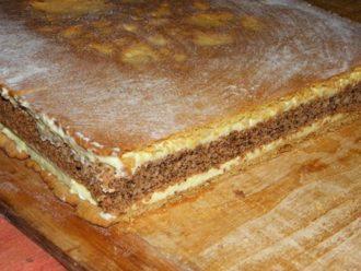 Dokonalý francúzsky krémeš s orechmi a vanilkovým krémom: Delikatesa, po ktorej si oblížete všetky prsty!