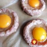 Namiesto pridávania vajec do mäsa, ich skúste jednoducho rozbiť na vrch: Tento nápad zmení spôsob, akým ste zvyknutí pripravovať fašírky!