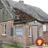Poľská rodina žila v starom a ošarpanom dome bez kúpeľne: Ľudia z dediny sa spojili a to, čo dokázali s ich domom je jedným slovom neskutočné!