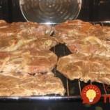 Skúšala som už veľa receptov na pečenú krkovičku, ale tento nemá konkurenciu: V medovo-horčicovej marináde s chrumkavou kôrkou, ako z grilu!