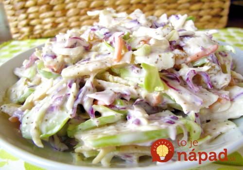 Konečne perfektná náhrada za kalorické šaláty, ktorá chutí fantasticky: Kapustový šalát s jogurtovo-horčicovou zálievkou!