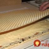 Balkánske oblátkové rezy za chvíľku: S orechmi a geniálnym krémom, využijete ho aj do iných receptov!