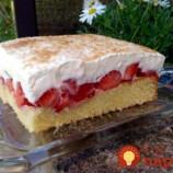 Šialene chutný jahodový koláčik so šľahačkovým krémom: Môžete ho pripraviť aj ako tortu, je to neskutočná pochúťka!