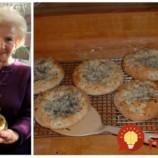 Babičkine cibuľové placky namiesto chlebíka: Rýchle a také fantastické, že na pečivo z obchodu si ani nespomeniete!