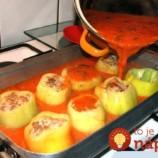 Na toto k nám chodí celá rodina: Keď budete nabudúce robiť plnenú papriku, pripravte ju na plechu – toto nemá konkurenciu!
