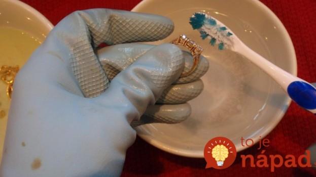 Prstene a náušnice svietia ako nové: Je jedno, či sú zo striebra alebo zlata – nechajte ich vo vode s touto prísadou na noc!